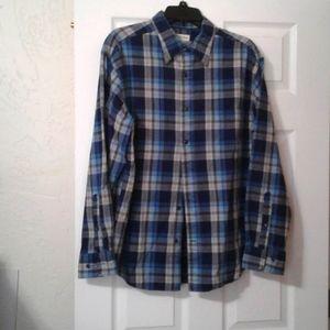 Men's long sleeve shirt.